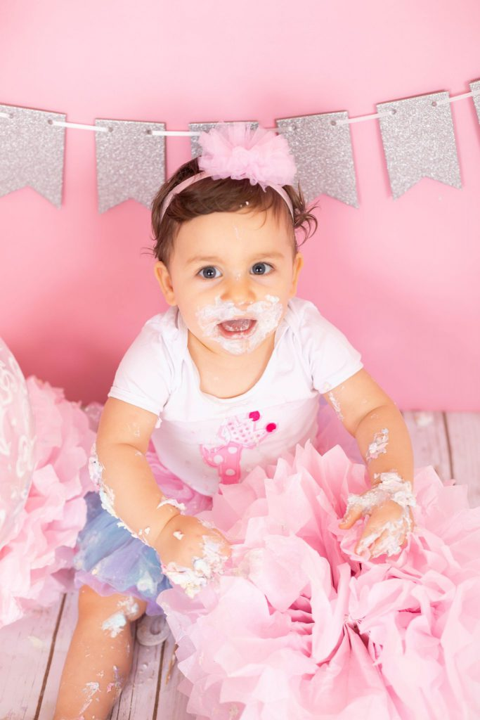 jenna_bussey_photography_dubai_cake_smash_photographer