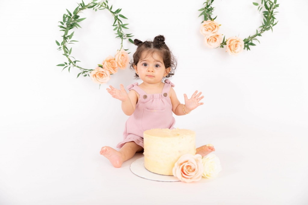 jenna-bussey-photography-dubai-cake-smash-photographer_0